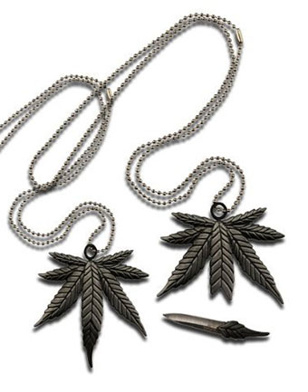 weed-necklace-knife