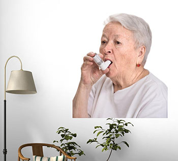 old-woman-with-inhaler