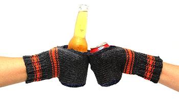 boozy-kuzy-beer-mittens