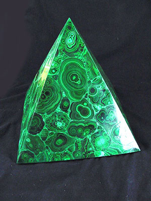 malachite-healing-pyramid