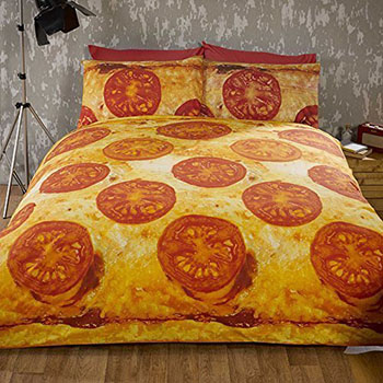 tomato-cheese-pizza-bed