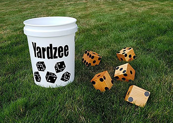 yardzee-outdoor-dice-game